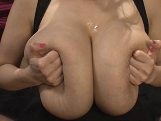 Hitomi Tanaka Amazing Big Tits